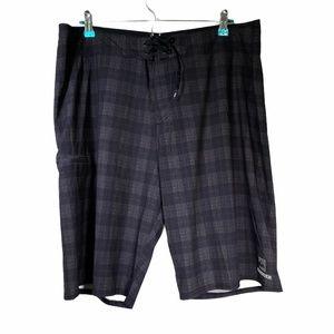 Quicksilver Regular Fit Plaid shorts men's 38
